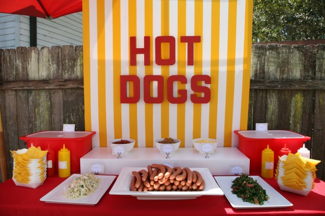 full-view-hot-dog-stand